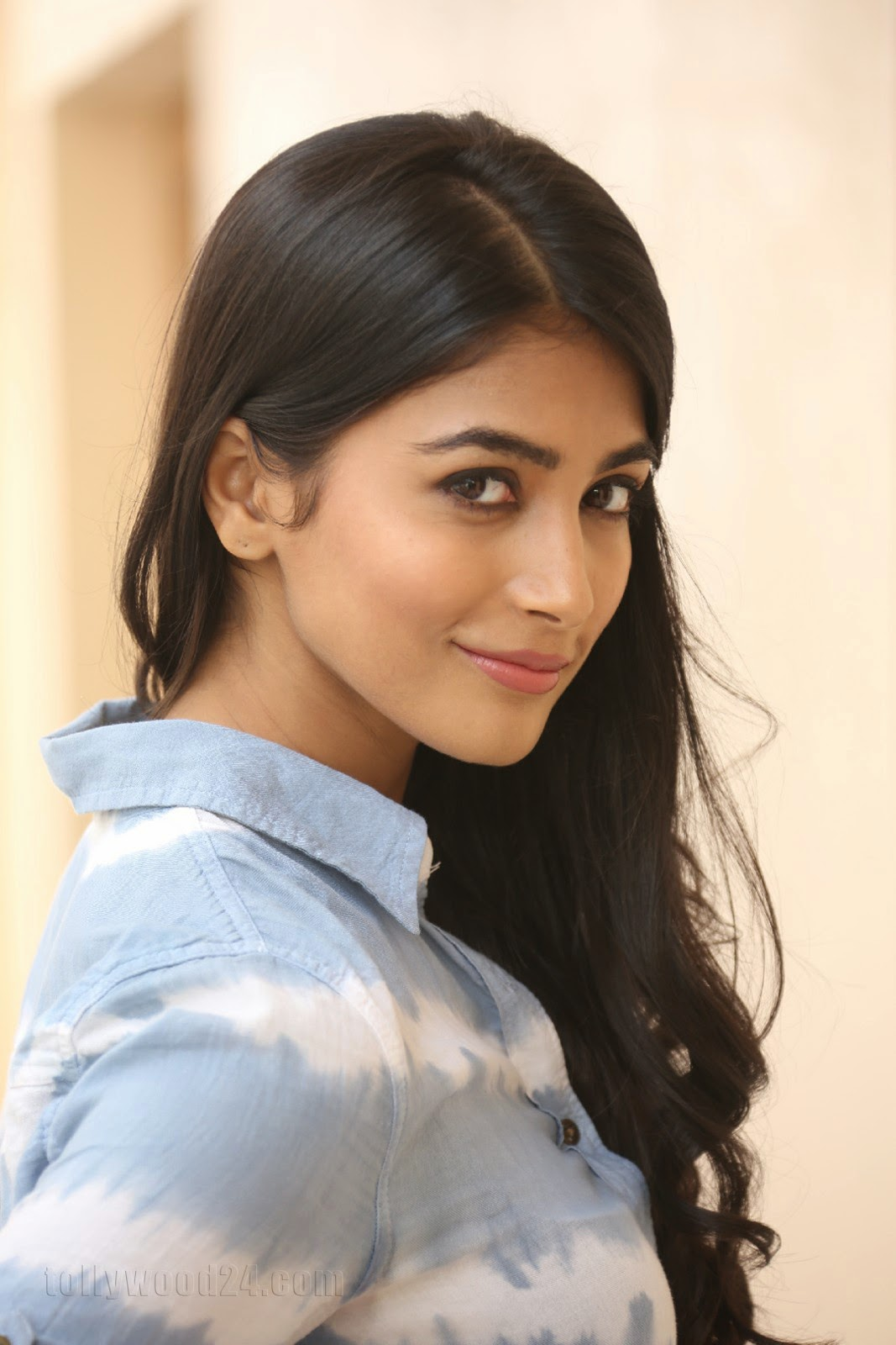 Pooja hegde gorgeous photo shoot-HQ-Photo-7