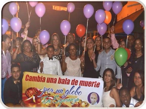 LOS MILTHA, RECIBEN 2015 CAMBIANDO UNA BALA DE MUERTE POR UN GLOBO DE ESPERANZA