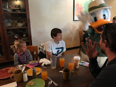 CHARACTER BREAKFAST WITH COUSINS