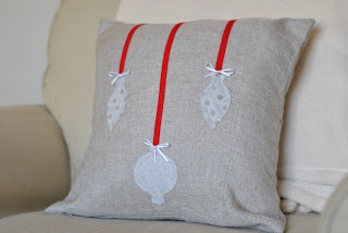 DIY ornament applique christmas pillow