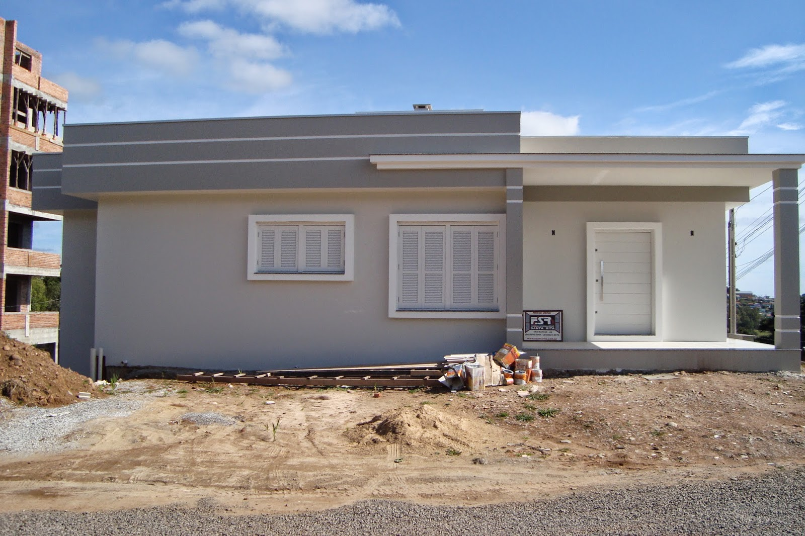 A casa da claudia casa pintada editado com as cores for Casas modernas pintadas