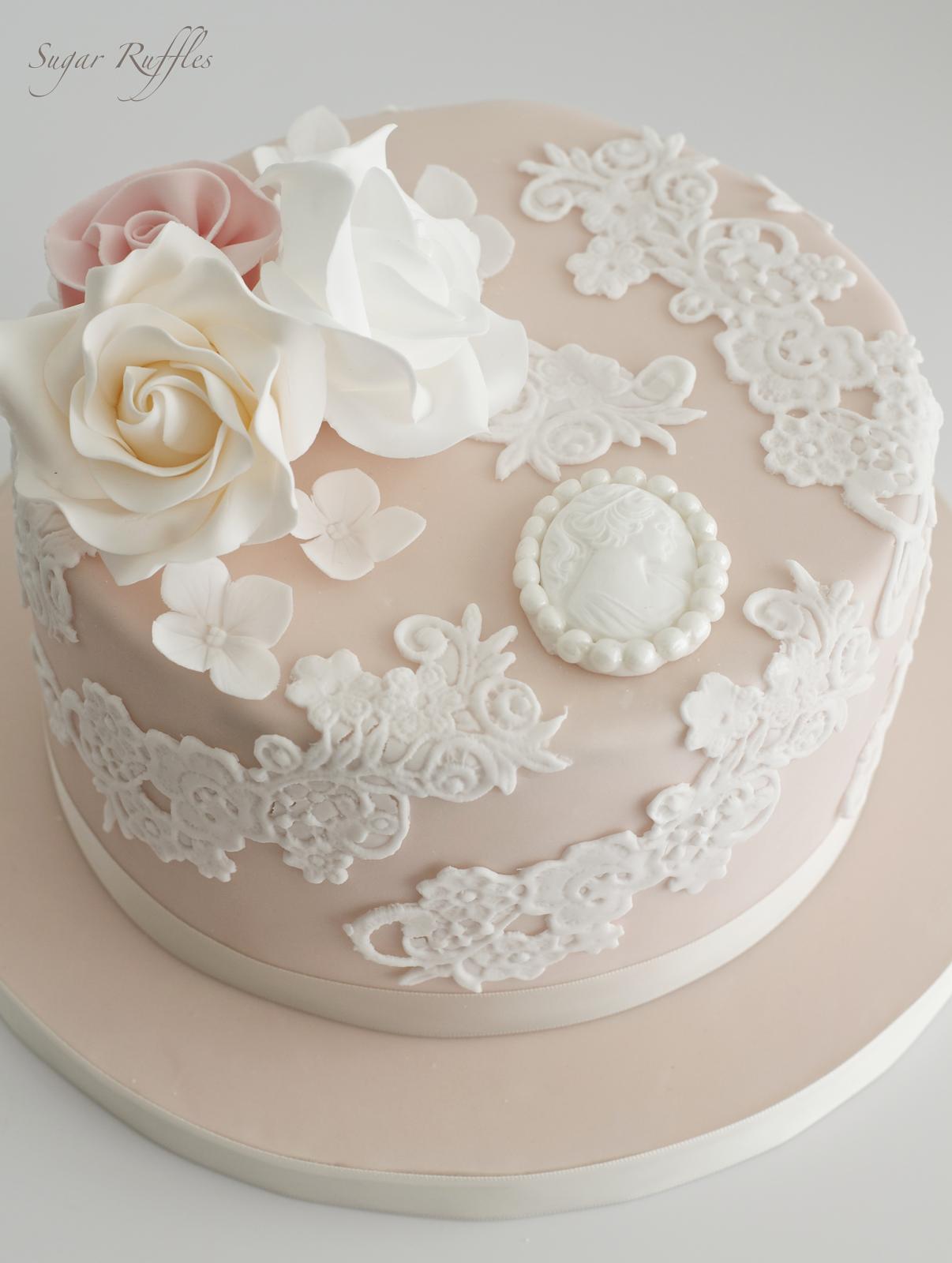Cake Design Vintage : Sugar Ruffles, Elegant Wedding Cakes. Barrow in Furness ...