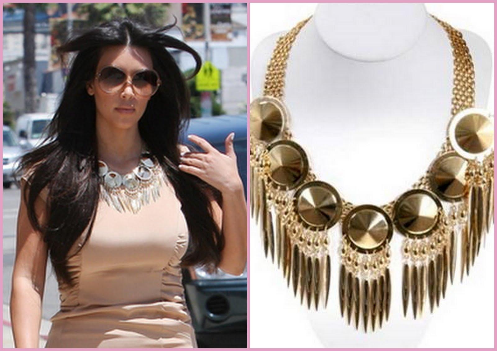 http://3.bp.blogspot.com/-8cbancp5VT8/TtEP_5CrfUI/AAAAAAAADoY/0npAE1KUyOI/s1600/kim_k_dagger_necklace.jpg