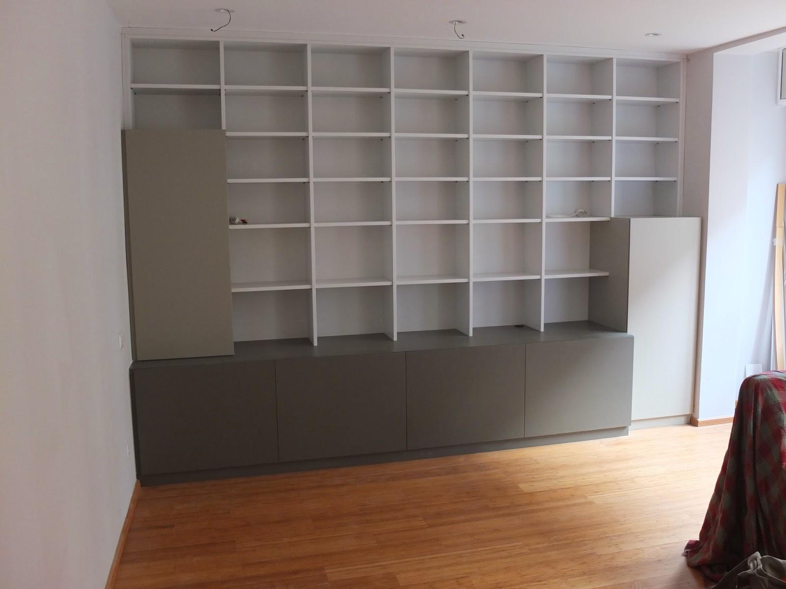mueble de estanteras en acabos de laca de poliuretano para libros equipo de msica y televisin