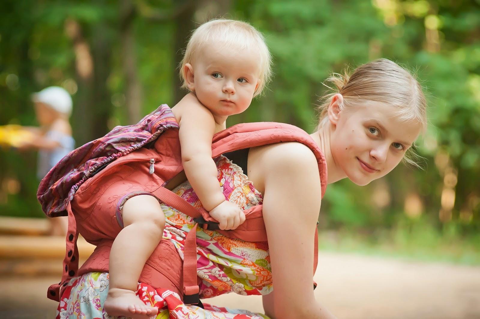 Молодая мама с детьми фото