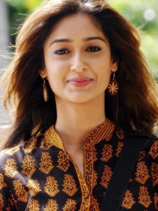 indian stunning actress angel ileana d cruz stunning hot n sexy pics