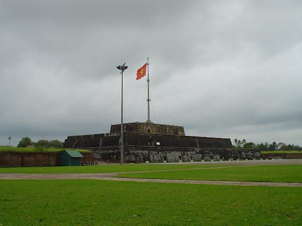 Bandera Ciudadela de Hue, Vietnam