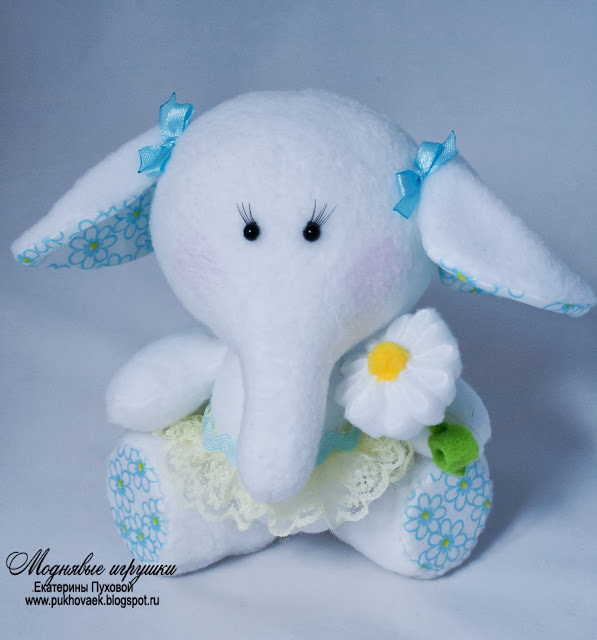 игрушка слоненок