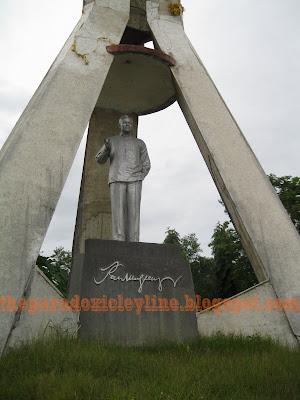 Ramon Magsaysay statue