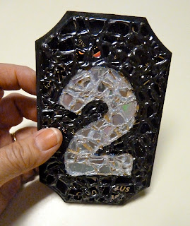 make it easy crafts recycled cd mosaic house apartment number plaque. Black Bedroom Furniture Sets. Home Design Ideas