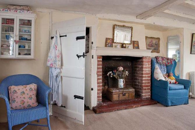Lismary 39 s cottage la casa bianca colorata for Piani casa bungalow storia singola