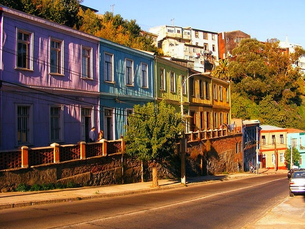 World's 10 most colorful cities - Valparaiso, Chile picture