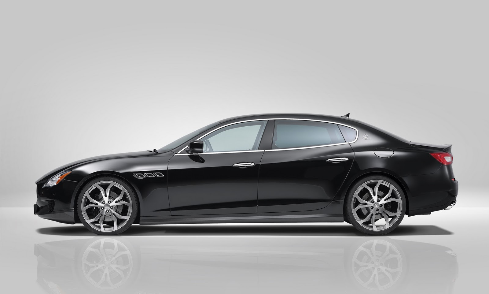 novitec powers up new maserati quattroporte carscoops. Black Bedroom Furniture Sets. Home Design Ideas