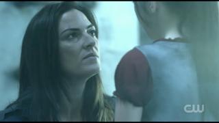 Aurora Blake talking to her daughter, Octavia