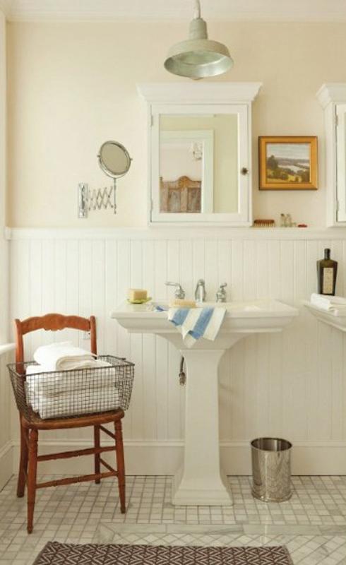 Pedestal sink bathroom - Em for Marvelous -