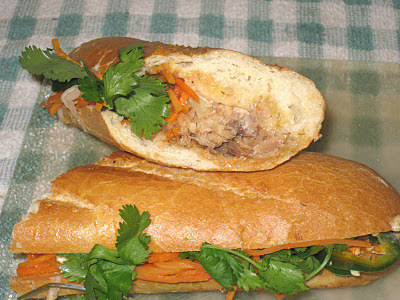 ... did, however, stop at Bun Mi Express to try their sardine banh mi