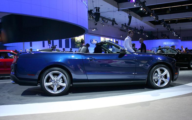 automobile trends 2010 ford mustang. Black Bedroom Furniture Sets. Home Design Ideas