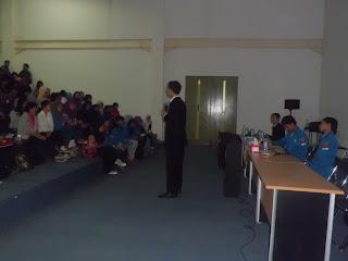 pembicara entrepreneur, wirausaha, bisnis, training seminar, motivasi, motivator terbaik, motivator termuda