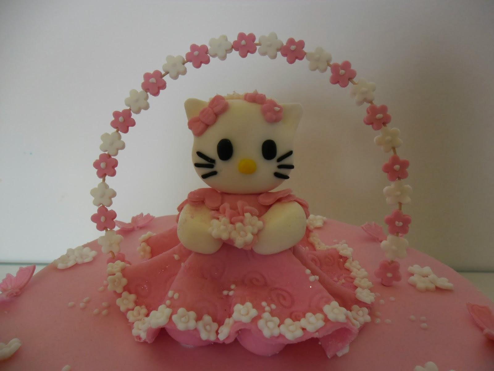 G teau d 39 anniversaire hello kitty gateaux d 39 aline - Gateau de couche hello kitty ...