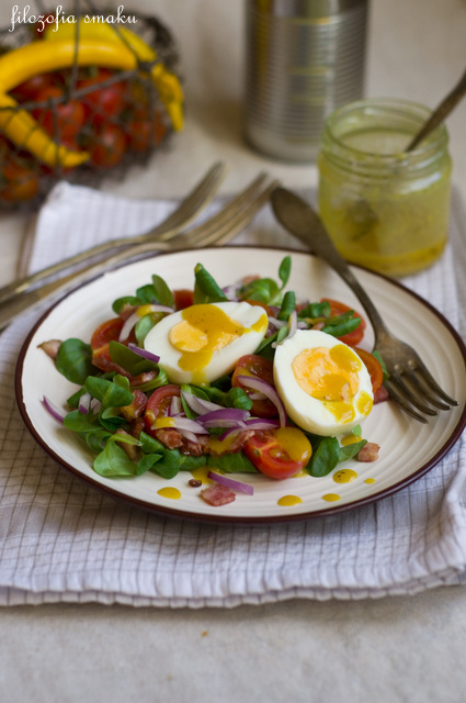 Sałatka z roszponką i jajkiem