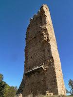 Les restes de la Torre de Merola vistes des del cantó de migdia