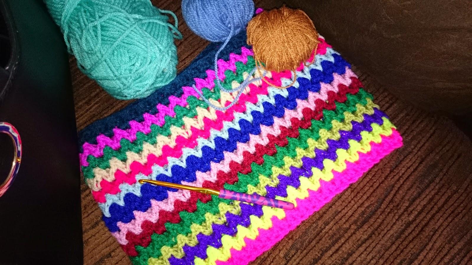 crochet v stitch vstitch vintage travel blanket WIP update v stitch vstitch crochet blanket update crocheting cat photo bomb