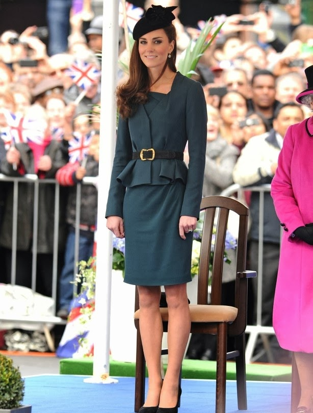 kate middleton in modest green skirt and top with peplum tznius