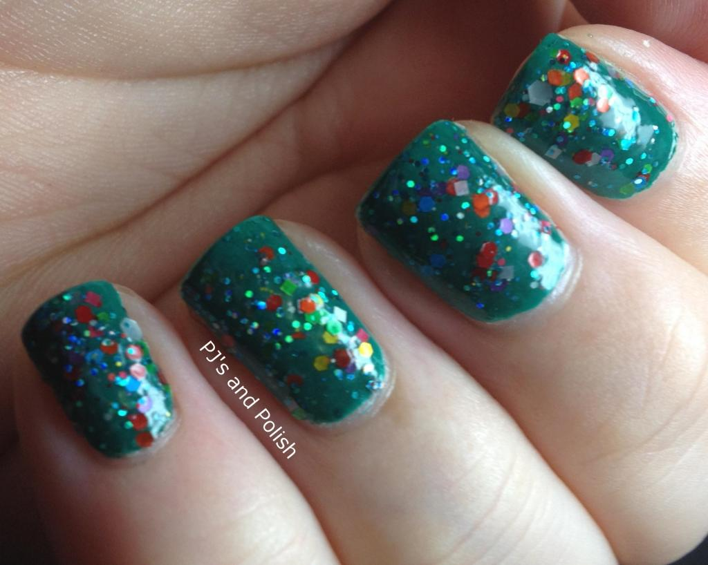 Swatch Review Darling Diva Witchy Woman over Color Club Wild Cactus Seche Vite Nail Pattern Boldness Glitter A Peel