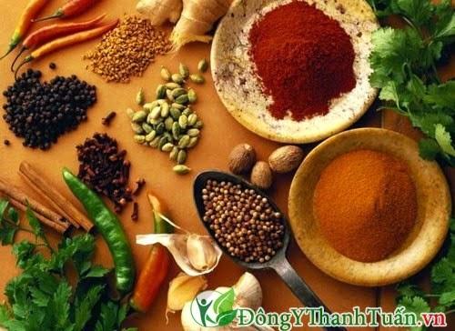 Người bị bệnh viêm lợi không nên ăn thực phẩm cay nóng