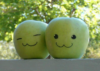 веселые яблоки