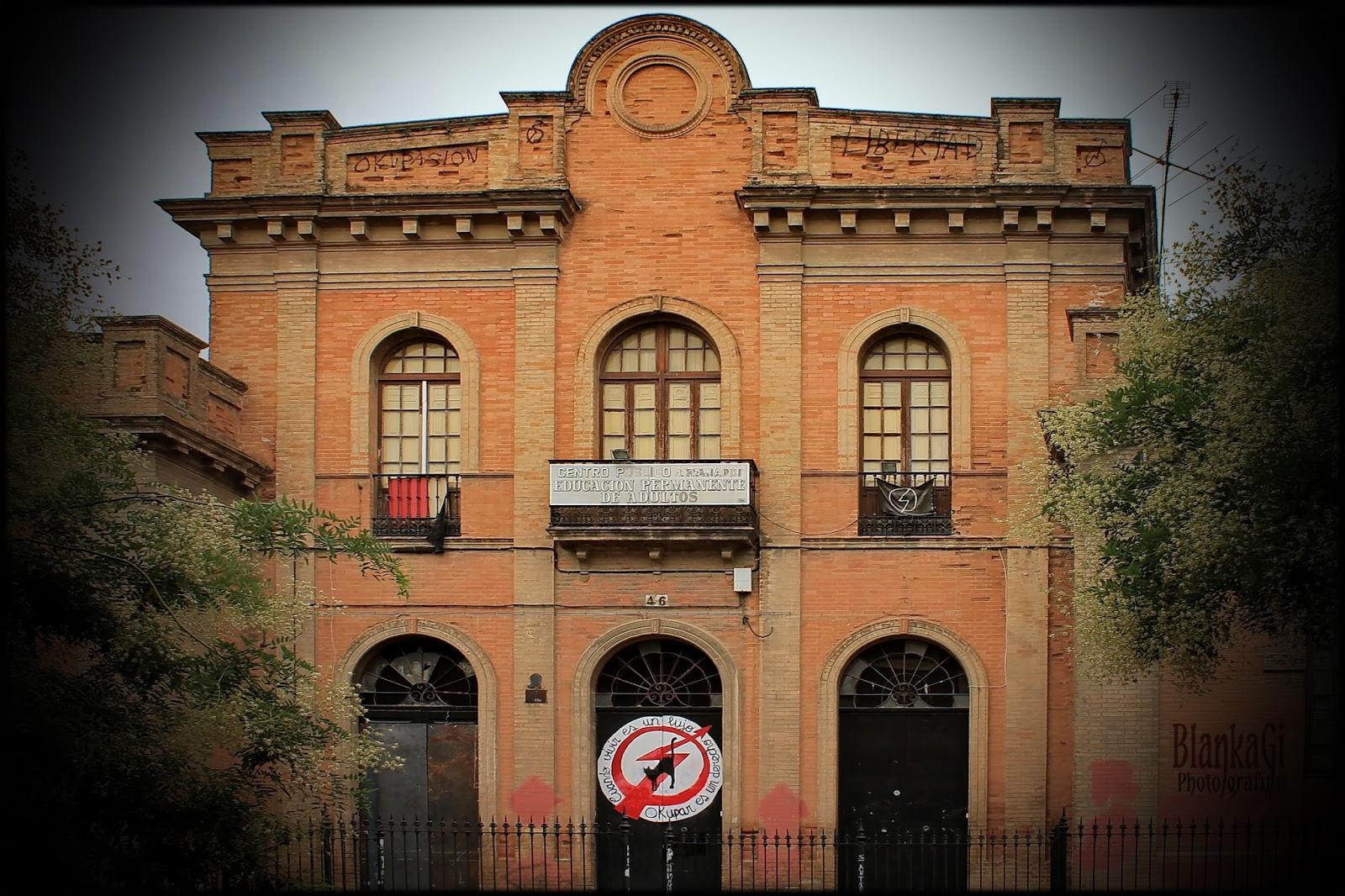 Photo Bgr Barrio San Bernardo De Sevilla
