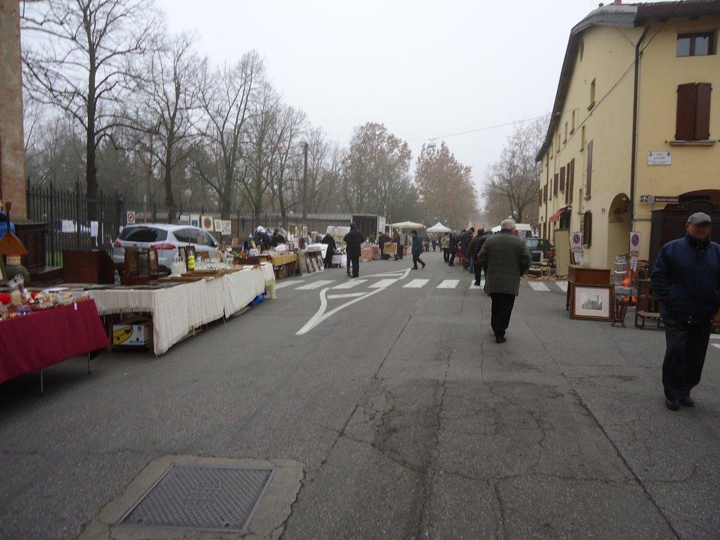 Il mercatopo mercatino dell 39 antiquariato a medicina bo for Mercatini antiquariato 4 domenica