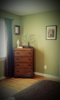 Decorating a guest room on a budget