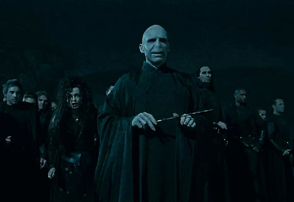Harry potter day: ο dark lord voldemort αναρριχάται