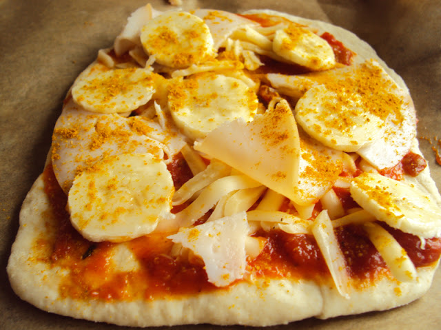 pizzerinki, pizzerki, pizza z bananem, curry i szynką