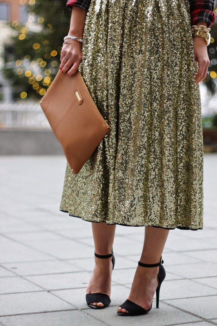 Gold Sequin Midi Skirt with GiGi New York Uber Clutch