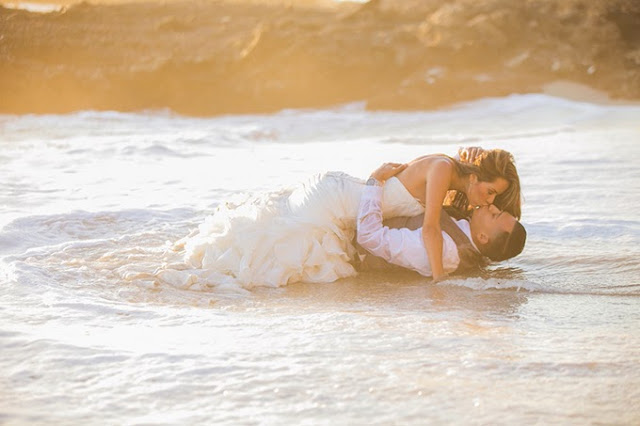 take wedding photo on beach