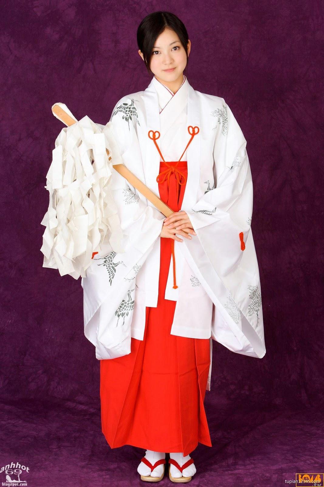 maari-nakashima_1-110F5105455-50