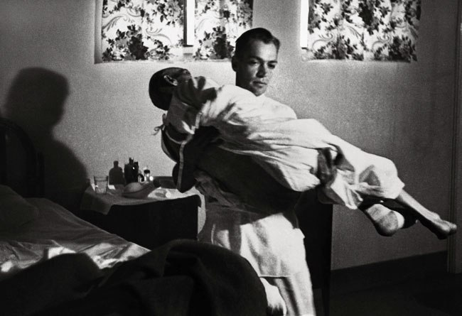 """w eugene smith country doctor photo essay For his groundbreaking 1948 life magazine photo essay, """"country doctor"""" — seen here, in its entirety, followed by several unpublished photographs from the shoot — photographer w eugene smith."""
