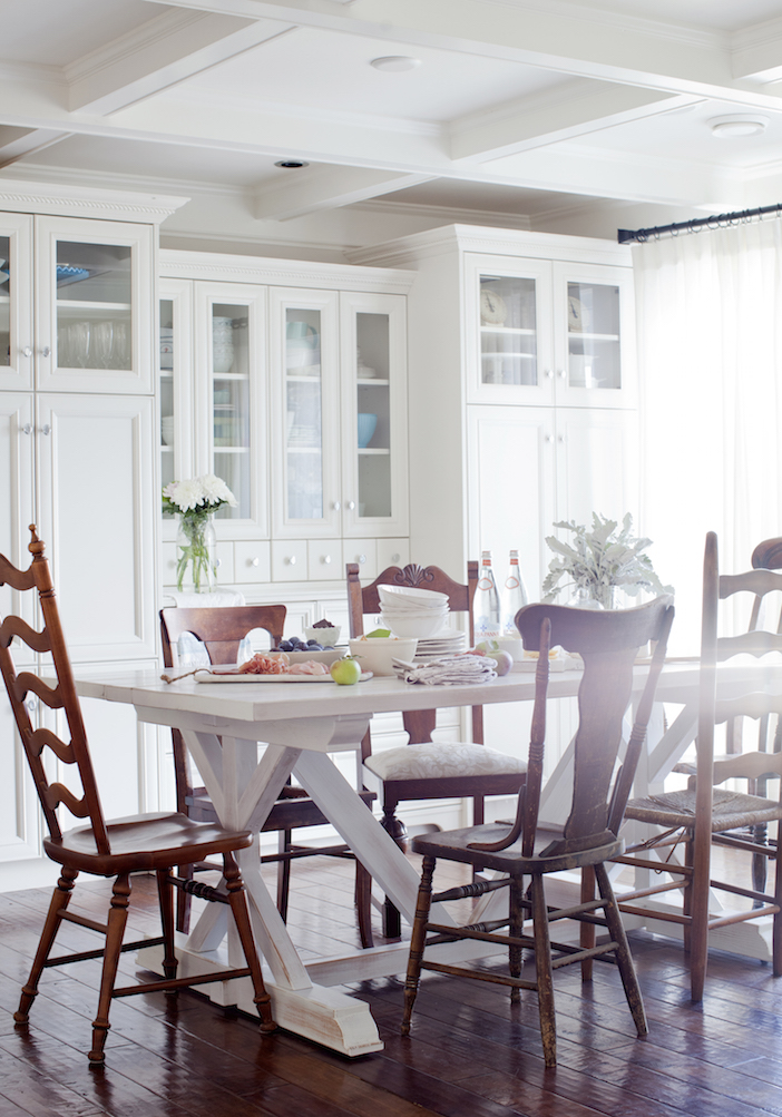 Jillian Harris switched out her matching dining