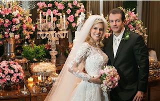 http://blogdarevistainsidegaleria.blogspot.com.br/2014/12/casamento-grego-o-casamento-de-fernanda.html