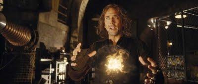 Balthazar Blake (Nicolas Cage) montrant sa magie dans L'Apprenti Sorcier