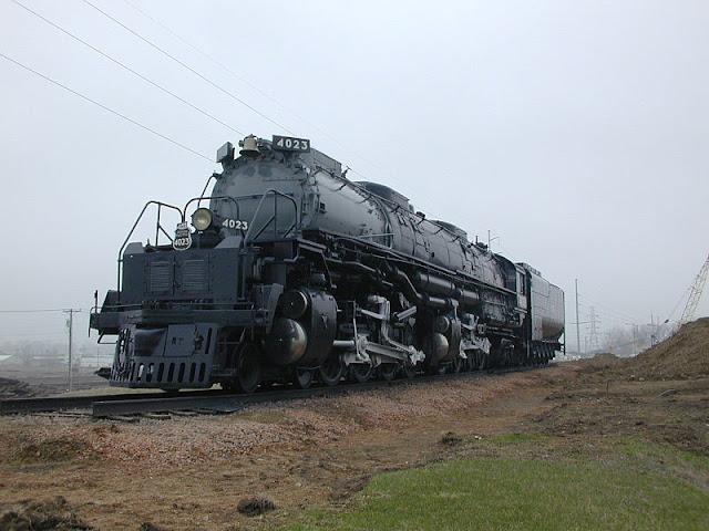 Gambar Kereta Api Lokomotif Uap BigBoy 4-8-8-4 4023
