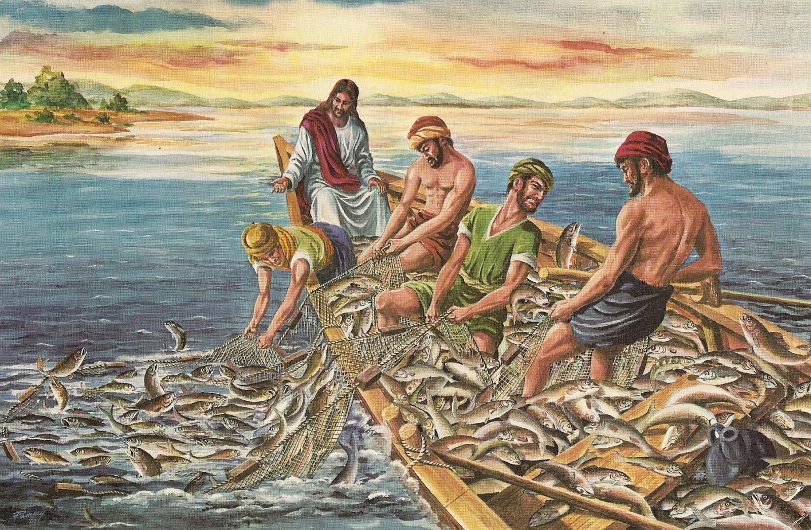 Христианская поделка рыбака ловящего рыбу сетью 73