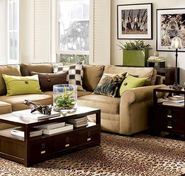 los acentos de color marrón y verde de los accesorios decorativos
