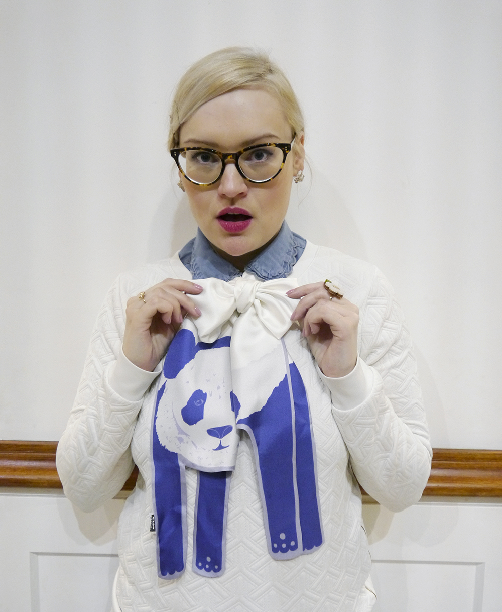 Cleo Ferin Mercury animal scarf, panda scarf, IOLLA glasses review, Wear Eponymous jumper
