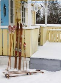 Gammelt skiutstyr blir fin vinterpynt!