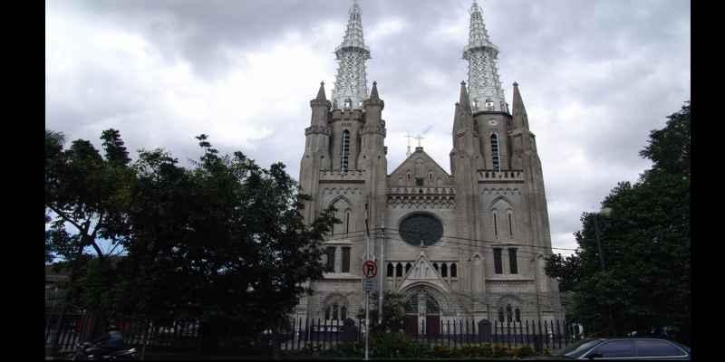 Info Harga Hotel Dan Wisata Populer di DKI Jakarta - Gereja Katedral
