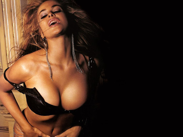 Carmen Electra Hot  Image, Still, Photo, Picture, Wallpaper