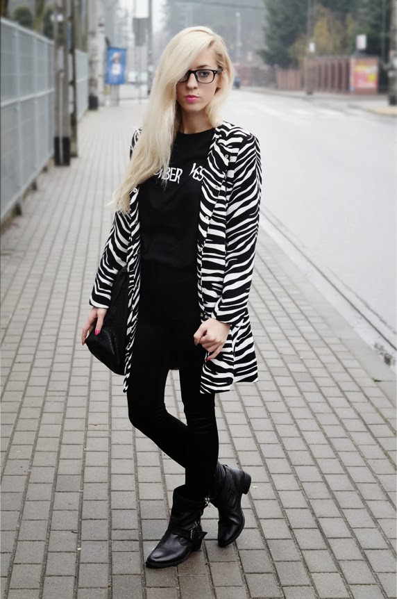 http://www.persunmall.com/p/black-and-white-zebra-print-coat-p-17743.html?refer_id=3956